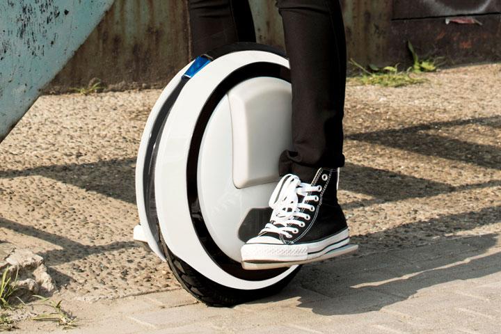 une mono-roue électrique