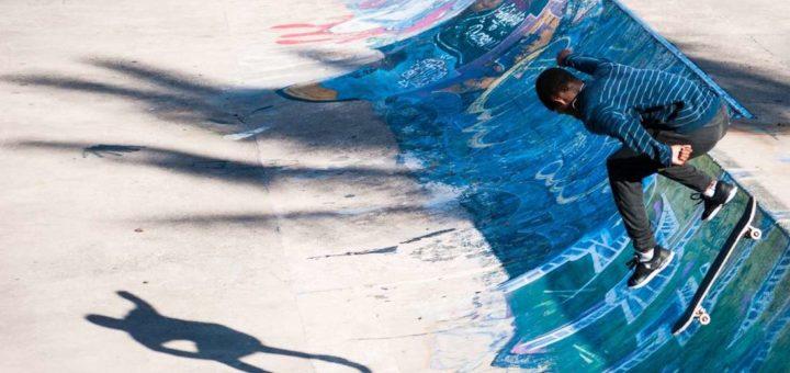 skatepark trottinette skateboard